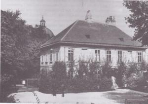 Front des Direktorwohnhauses. Photo: R. Lechner. 1903. Botanisches Institut der Universität Wien.